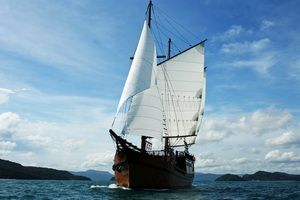 Diva Andaman liveaboard sailing