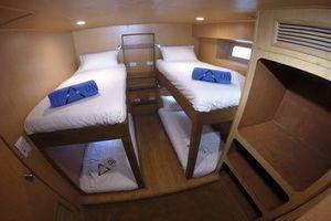 DiveRACE EClass twin en-suite cabin