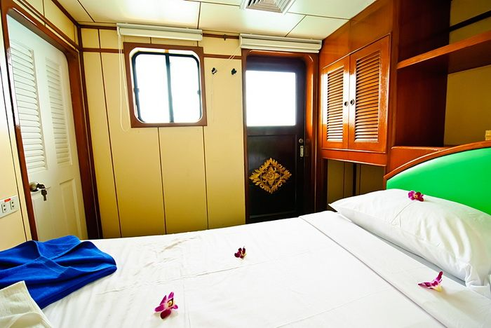 Deep Andaman Queen VIP double cabin with window