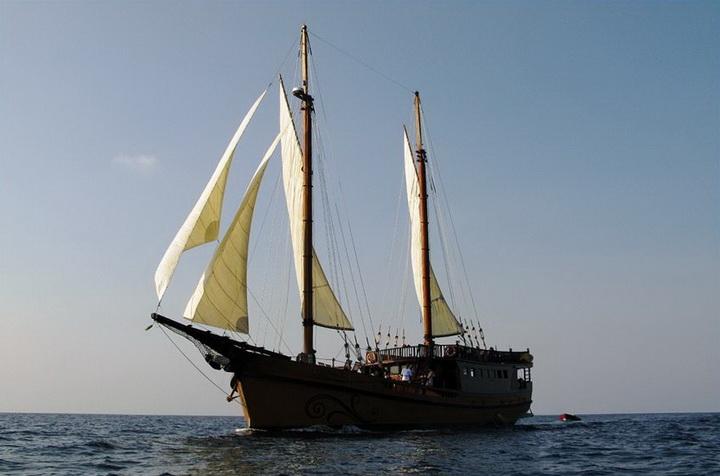 Diva Andaman cruising in the Mergui archipelago