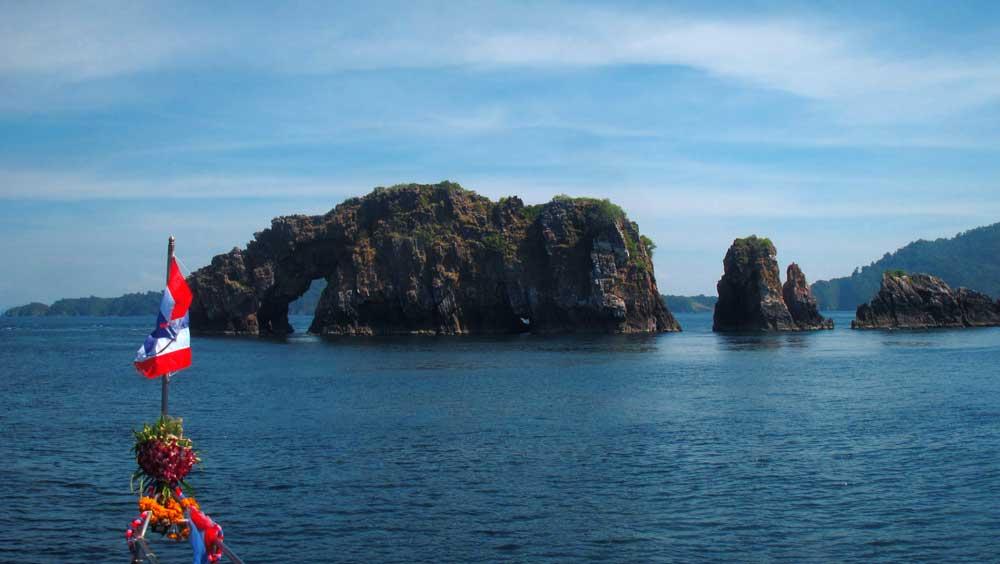 Mergui archipelago snorkeling liveaboard