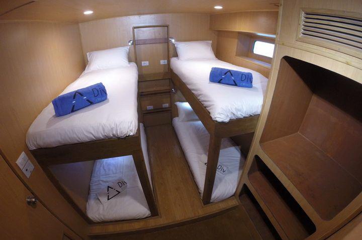 DiveRACE E Class twin cabin